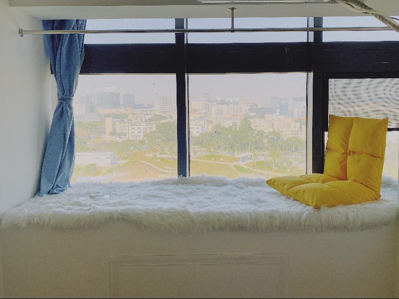 电梯大单房 · 泊寓-龙岗上李朗店