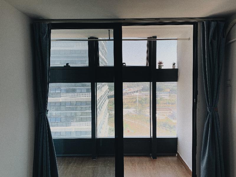电梯阳台大单房 · 泊寓-龙岗上李朗店