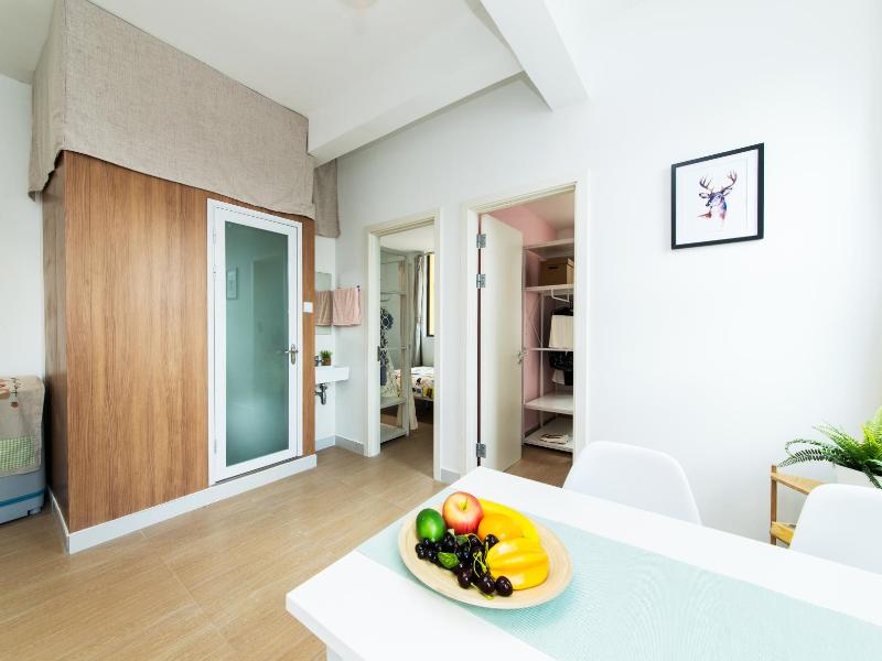 两房一厅带阳台 · 泊寓-龙城上角环公社
