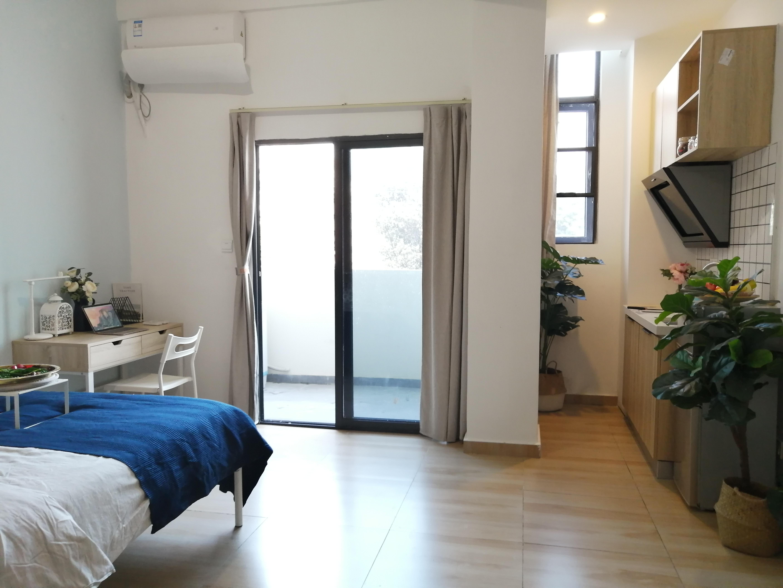 单间带厨房带阳台 · 泊寓-布吉丹竹头圆墩公社